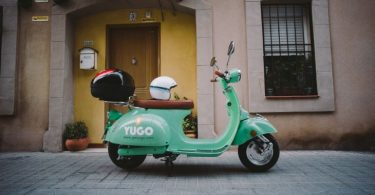 barcelona scooter sharing startup